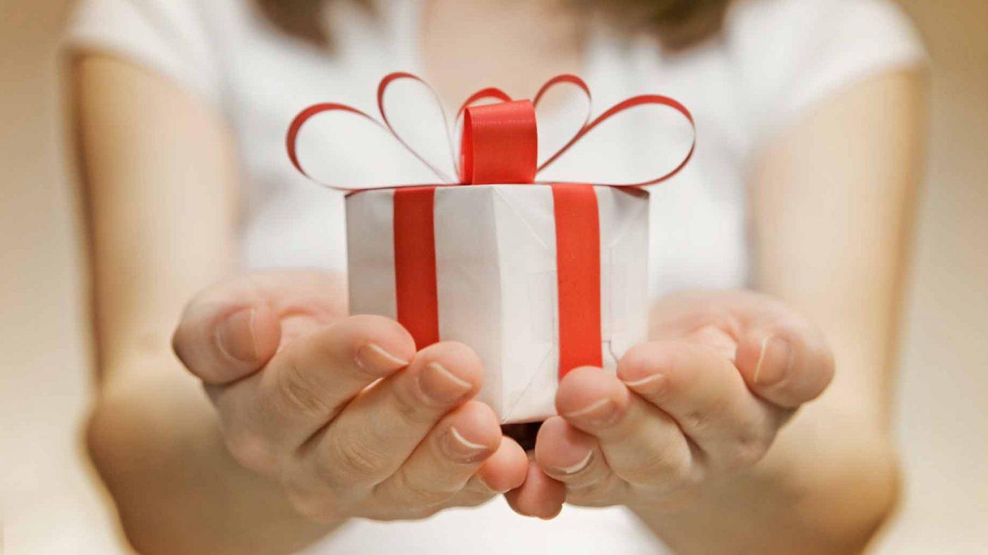 romantic gift for men